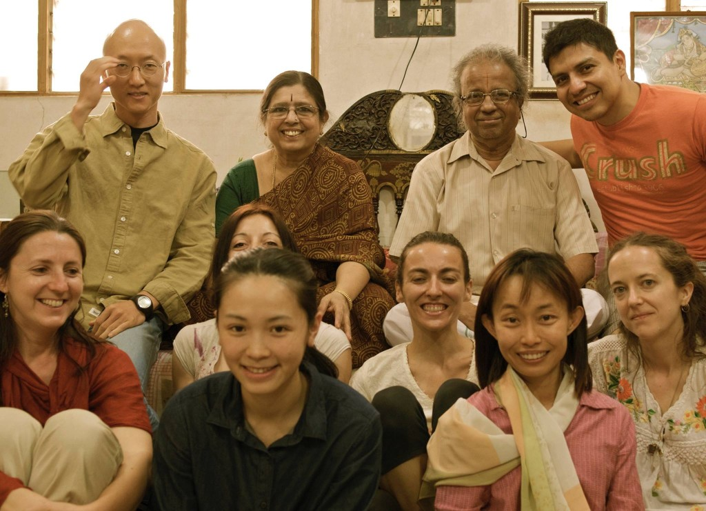 Jayashree y Narasimhan Retiro de Yoga y Viaje a India 2016