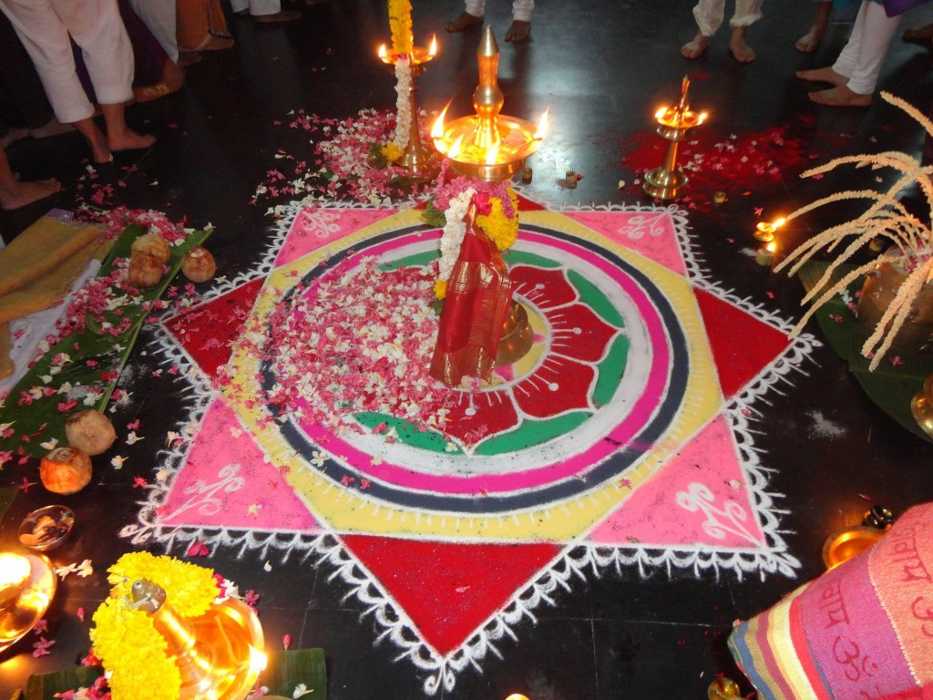 Puja Retiro de Yoga y Viaje a India 2016