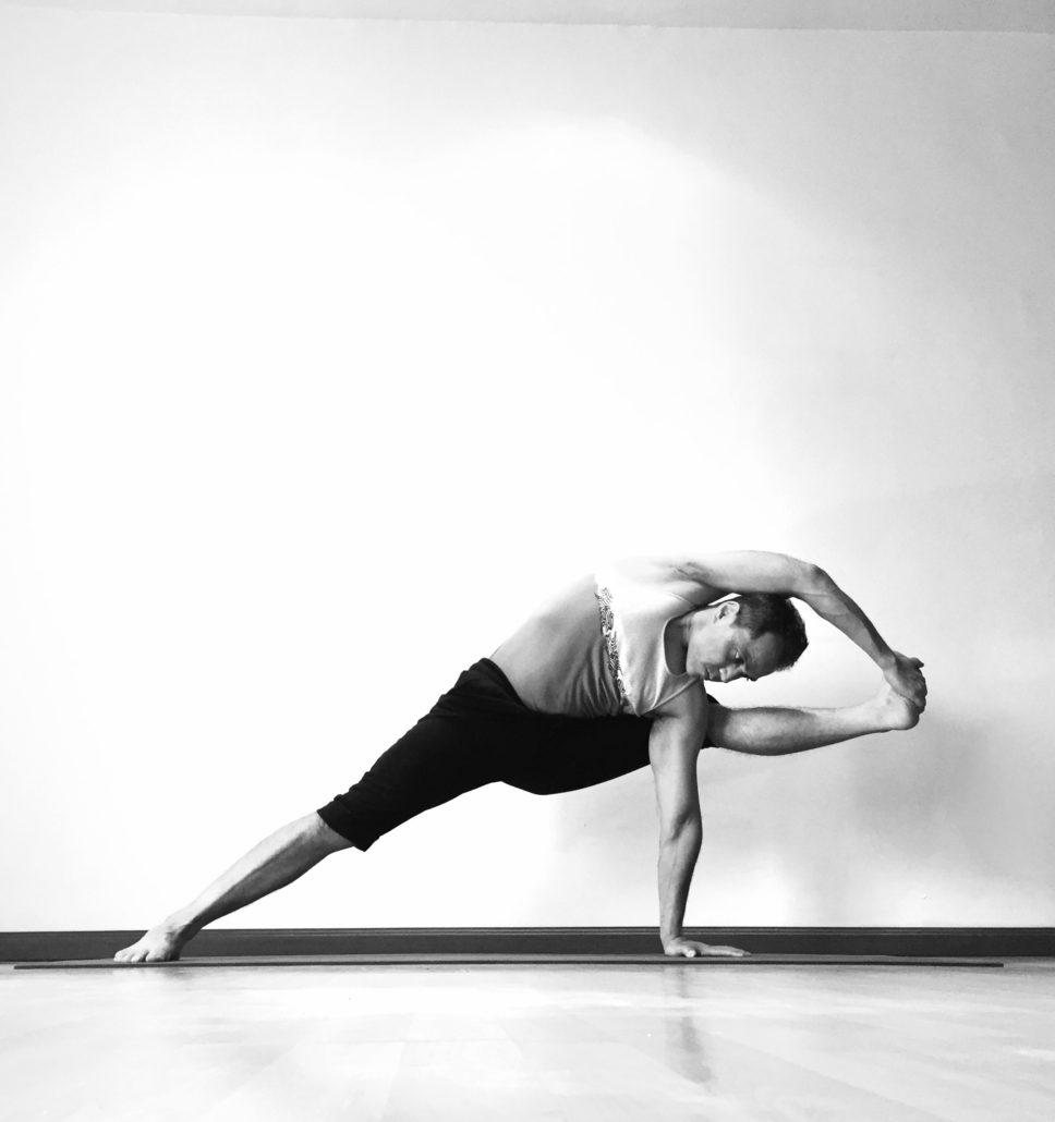 Metodologia Y Practica De Asanas Avanzadas 50hrs Sadhak Yoga Institute